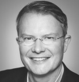 Dr. Philipp Bouteiller